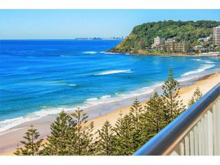 BEACHFRONT - WELL PRESENTED HOLIDAY HI-RISE IN BURLEIGH - 1P4838MR