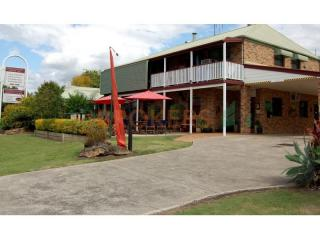 LEASEHOLD MOTEL WITH 32 ROOMS IN S/E QLD