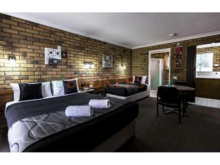 Freehold Going Concern Motel S.E.Qld 14% ROI