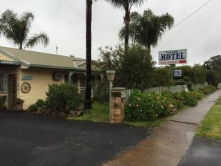 HIGH 18% RETURN ON FREEHOLD MOTEL