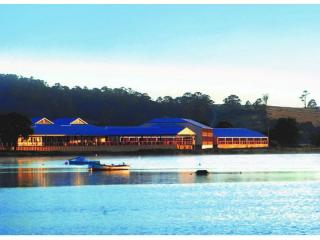 Leasehold of Large Tasmanian Waterfront Eco Resort On Offer | Resort Brokers ID : LH006577