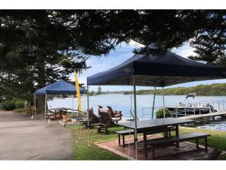 Waterfront Lake Macquarie Motel Leasehold Business for $39,000 - 1P5068M
