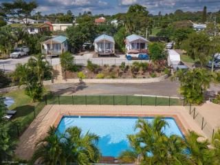 FREEHOLD QUEENSLAND MOTEL AND CARAVAN PARK SHOWING OVER 14% RETURN!