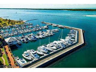 Gold Coast Management Rights in Prime Waterfront - 1P4145MR