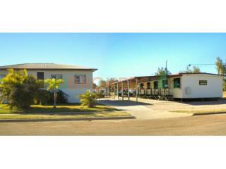 WESTERN QUEENSLAND LEASEHOLD MOTEL EXTRA LONG LEASE AND RETURNING OVER 40%!