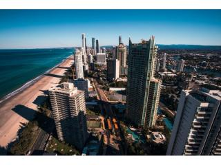 In the heart of all the Broadbeach has to offer!  | Resort Brokers ID : MR006263