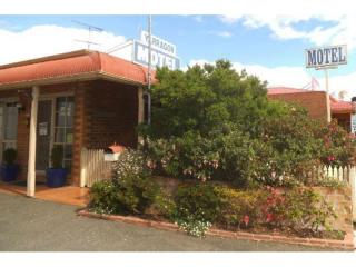 Motel in Great Gippsland Town - 1P3881M