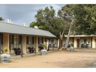 Sensational Mornington Peninsula Motel - 1P2513M