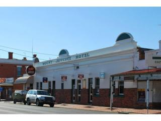 UNDER OFFER - Mount Jeffcott Hotel Leasehold - 1P4257H