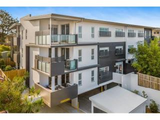 RED HOT LISTING:  Business Only Caretaking Business in Brisbane | Resort Brokers ID : MRC006193