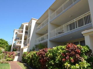 ONLY 3.8 MULTIPLIER..Lovely and Quiet on Chevron GREAT LOCATION GREAT LIFESTYLE