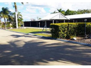 2393MF - Freehold Motel Rockhampton