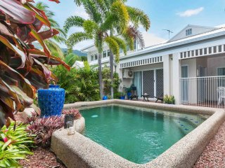 Superb lifestyle opportunity Palm Cove