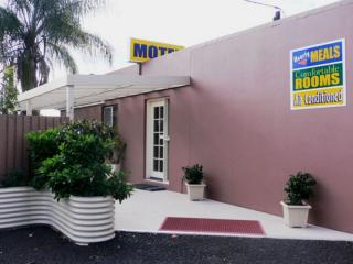 FREEHOLD 11 room motel - Fantastic price!