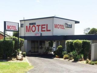 2046ML - Great Starter Motel