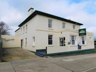 Classic Country Hotel - freehold + extra land - highway frontage, no competition - o/o $295,000