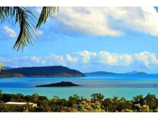 18DS - A COMPLETE WHITSUNDAYS TOURISM PROPERTY WITH GUARANTEED 7% INVESTMENT RETURN