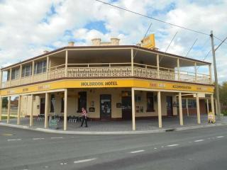 Leasehold Hotel with a Main Street Location - 1P0877H
