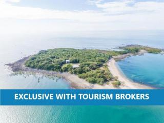 2589ML - Whitsunday Island with B&B Licence for Sale!
