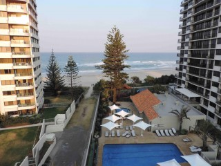 PRICE REDUCED - GREAT OPPORTUNITY!!! Ideal location situated between Surfers Paradise and Broadbeach. Just where everyone wants to holiday!