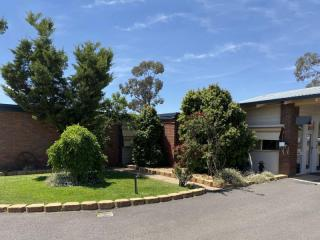 Largest and arguably the best motel in Parkes | Resort Brokers ID : LH006338