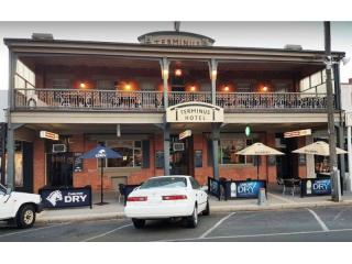Freehold VIC Hotel in Tourist Hot Spot - Terminus Hotel - 1P4598H