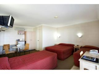 Sunshine Coast freehold motel centrally located - a rare find! | Resort Brokers ID : FH005846