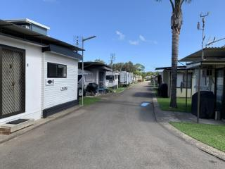 Waterfront Caravan park that offers a steady income and coastal lifestyle.  | Resort Brokers ID : FH006614