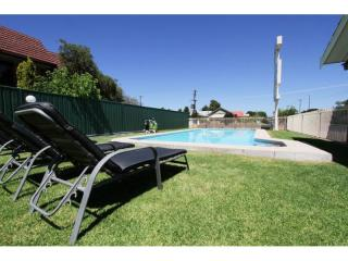 448ML - Regional City B&B Leasehold Motel!