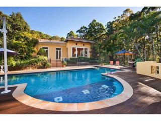 2487MF- Sunshine Coast Freehold Retreat
