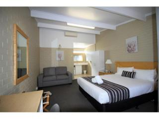 44% ROI - 39 Room Leasehold Motel - Long Lease, Central West NSW - 1P4830M