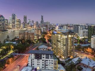 3 X MODERN, PERMANENT BRISBANE 'BUSINESS-ONLY' MR'S - $466K NET | Resort Brokers ID : MRB006674