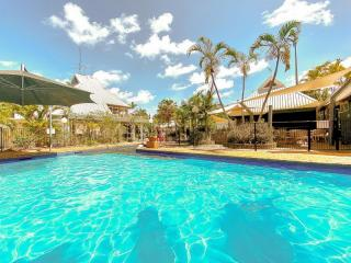 ICONIC RESORT ON QUEENSLAND'S CORAL COAST | Resort Brokers ID : MR006156
