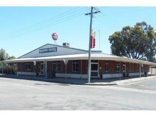 REDUCED PRICE - Wakool Hotel - 1P3908H