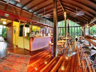 2530MF - Unique Freehold Rainforest Lodge and Yoga Retreat