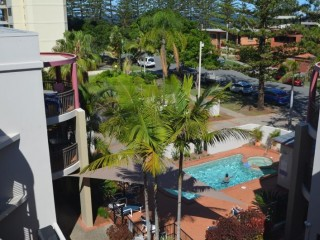 Management Rights with Large Letting Pool only a block from Burleigh Beach!!