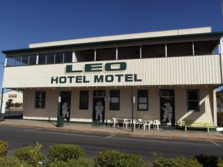 Iconic Queenslander Hotel Motel Freehold - Western Queensland | Resort Brokers ID : FH005645