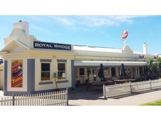 Profitable NSW Riverina Leasehold Hotel - 1P4831