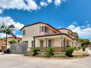 Easy Permanent, No Requirement of Residing Onsite in Brisbane Southside