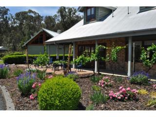 MAGNIFICENT PROPERTY IN THE HEART OF QUEENSLAND'S GRANITE BELT WINE REGION