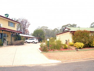 Freehold Investment Motel with commanding views of Warwick - 1P45062M