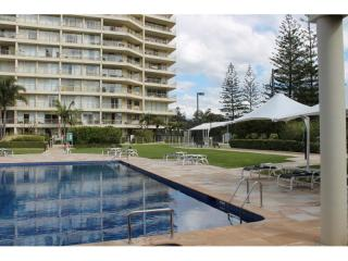 Main Beach Living at its best with over 16% return on investment | Resort Brokers ID : MR006367
