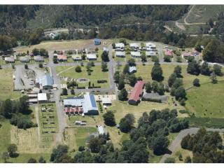 Fully renovated Tasmanian tourist town for sale