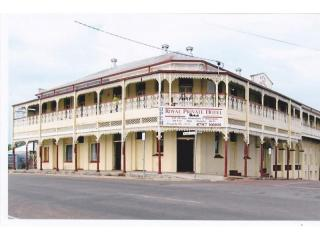 HISTORICAL OUTBACK FREEHOLD OPPORTUNITY !!