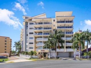 Redcliffe Holiday / Corporate Opportunity