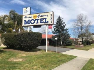 UNDER CONTRACT - Border Gateway Motel - 1P4224M