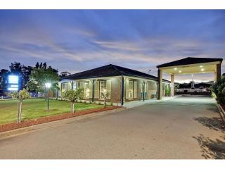 1071MF - Immaculate Central West Freehold