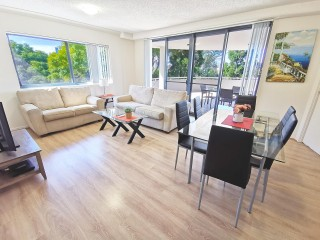 Best two bedrooms apartment with river view!Don't miss out