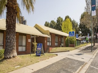 Country Roads Motel Narrandera Lease For Sale