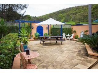 180MF - Superb Lifestyle Motel - Prime Beachside Location 3 hours from Sydney